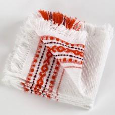 Салфетка тканая с красным узором.